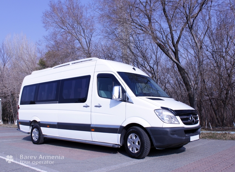 Mercedes benz sprinter w906 car rental barev armenia tours for Mercedes benz sprinter rental