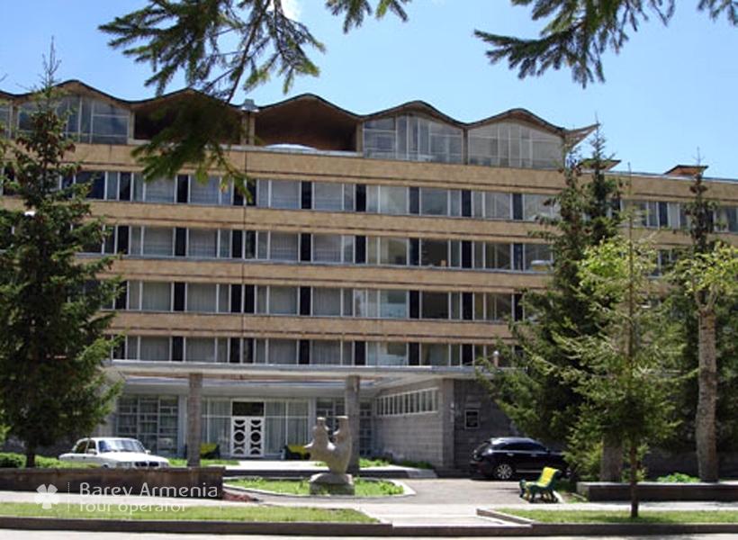 Jermuk Ararat Sanatorium : Hotels | Barev Armenia Tours