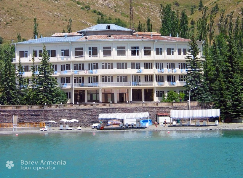 Blue Sevan Resort : Hotels | Barev Armenia Tours