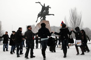 vardanants-holiday-vardan-mamikonyan-statue