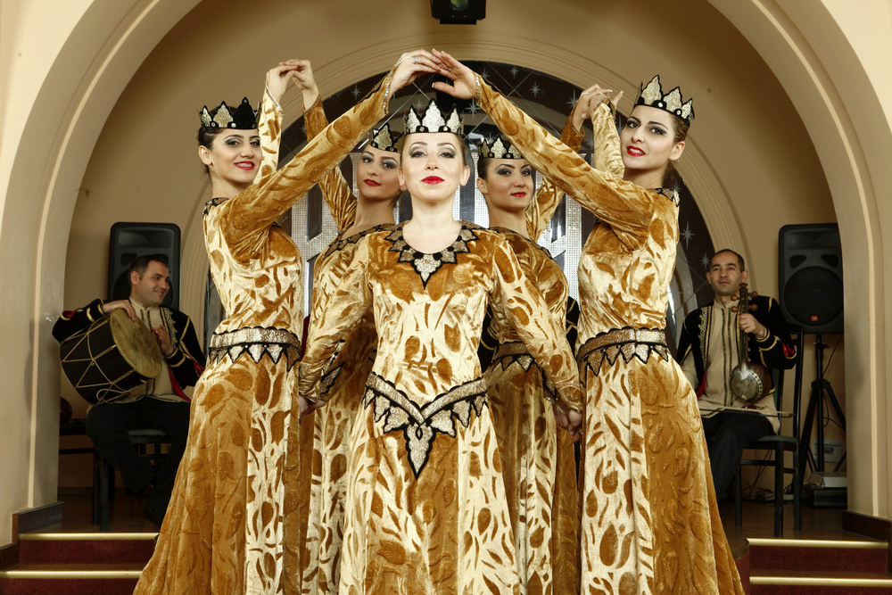 Armenian national dance show travel armenia blog for Armenian national cuisine