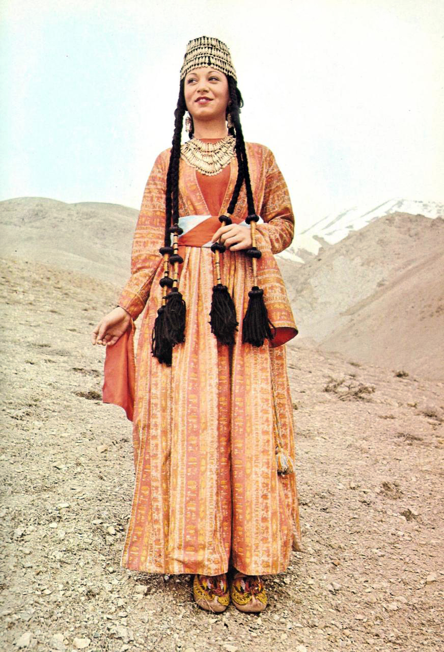 Traditional Dress Of Armenia Woman From Shatakh Travel